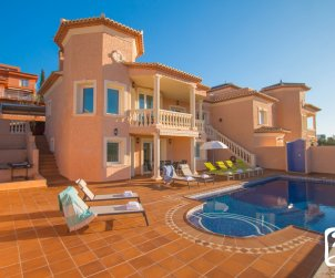 Villa  en Calpe  para 8 personas con piscina privada, vista mar y aire acondicionado  p1