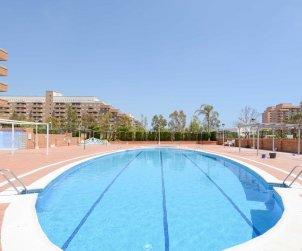 Apartamento  en Oropesa del Mar  para 4 personas con piscina comunitaria, aire acondicionado y parking  p1