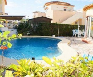 Villa  en Denia  para 6 personas con piscina privada y cerca del mar  p0