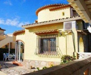 Villa  en Denia  para 6 personas con piscina privada y cerca del mar  p2