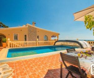 Villa  en Benissa  para 10 personas con piscina privada y vista mar  p0