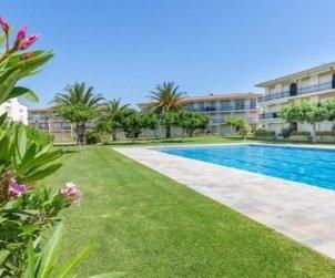 Apartamento  en Calella de Palafrugell  para 5 personas con piscina comunitaria y cerca de la playa  p0