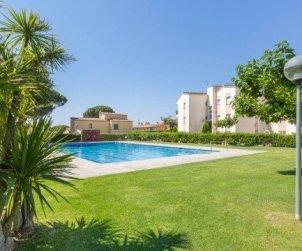 Apartamento  en Calella de Palafrugell  para 5 personas con piscina comunitaria y cerca de la playa  p1