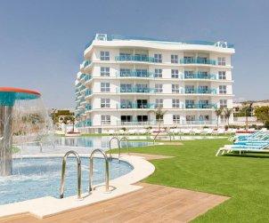 Apartamento  en Alcossebre  para 4 personas en complejo hotelero con piscina comunitaria en primera línea de mar  p1