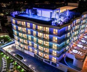 Apartamento  en Alcossebre  para 4 personas en complejo hotelero con piscina comunitaria en primera línea de mar  p2