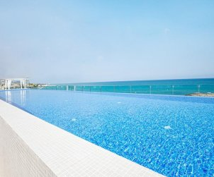 Apartamento  en Alcossebre  para 5 personas en un complejo hotelero con piscina comunitaria y vistas laterales al mar  p1