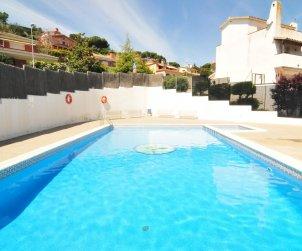 Villa   Arenys de Mar para 8 personas con piscina comunitaria p1