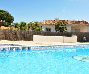 Villa   Arenys de Mar para 8 personas con piscina comunitaria p2