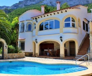 Villa  en Denia  para 6 personas con piscina privada y hermosa vista mar  p1