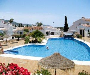 Villa   Nerja para 6 personas con piscina comunitaria p1