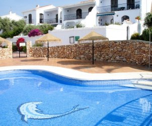 Apartamento   Nerja para 6 personas con piscina comunitaria p0