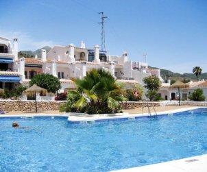 Apartamento   Nerja para 6 personas con piscina comunitaria p1