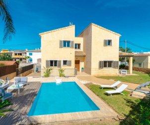 Villa   Alcúdia para 8 personas con piscina privada p0