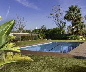 Villa   Lloret del Mar para 8 personas con piscina comunitaria p0