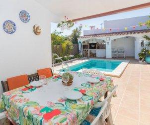 Villa   Cunit para 6 personas con piscina privada p1