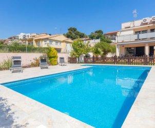 Villa   Segur de Calafell para 7 personas con piscina privada p0