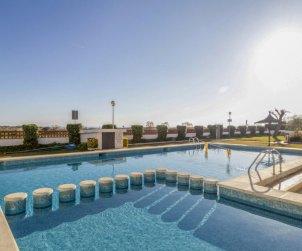 Apartamento   Creixell para 5 personas con piscina comunitaria p0