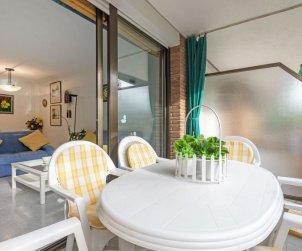 Apartamento   Torredembarra para 5 personas con piscina comunitaria p0