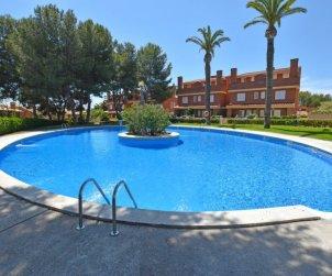Villa   Torredembarra para 8 personas con piscina comunitaria p0