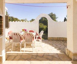 Villa   Cambrils para 7 personas con piscina comunitaria p0
