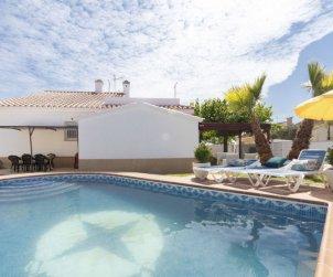 Villa   Deltebre  -  Riumar para 9 personas con piscina privada p0