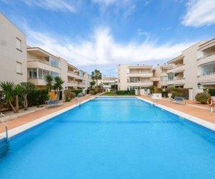 Apartamento   Vinaros para 2 personas con piscina comunitaria p0
