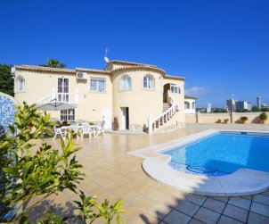 Villa   Calpe para 6 personas con piscina privada p0