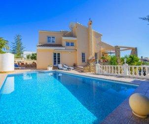 Villa   Calpe para 8 personas con piscina privada p0