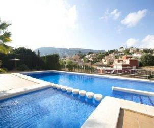 Villa   Calpe para 6 personas con piscina comunitaria p1