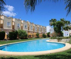 Villa  en Denia  para 6 personas con piscina comunitaria  p0