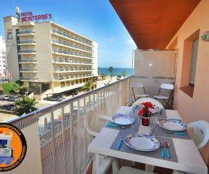 Apartamento  en Rosas  para 6 personas con vista mar  p0