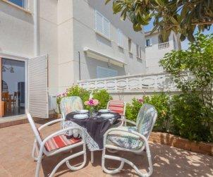 Villa   Cunit para 7 personas con piscina comunitaria p1