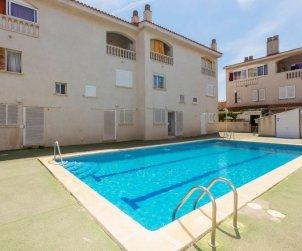 Villa   Cunit para 7 personas con piscina comunitaria p2