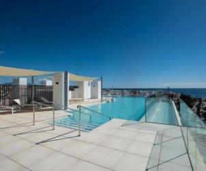 Apartamento   Estepona para 6 personas con piscina comunitaria p0