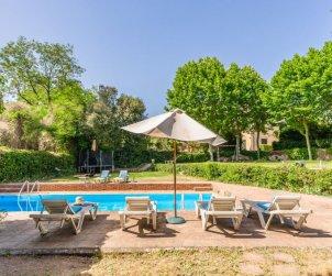 Villa   Vilanova del Valles para 35 personas con piscina privada p2
