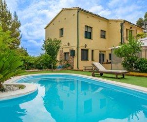 Apartamento   Sant Cebrià de Vallalta para 8 personas con piscina privada p0