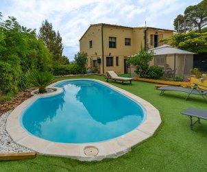Apartamento   Sant Cebrià de Vallalta para 8 personas con piscina privada p1