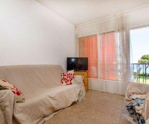 Apartamento   Blanes para 6 personas con piscina comunitaria p2