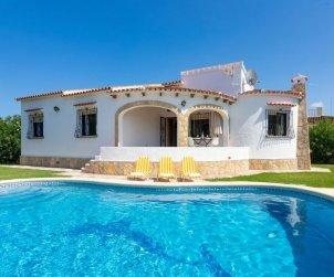 Villa   Denia para 6 personas con piscina comunitaria p0