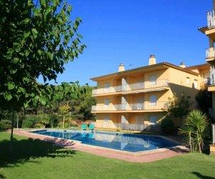 Apartamento   Llafranc para 5 personas con piscina comunitaria, parking y cerca del mar p0