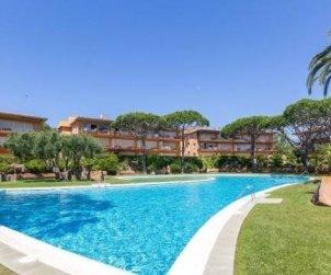 Apartamento   Calella de Palafrugell para 4 personas con piscina comunitaria, parking y cerca del mar p2