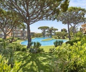 Apartamento   Calella de Palafrugell para 4 personas con piscina comunitaria p0