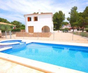 Villa   Ametlla de Mar para 9 personas con piscina protegida p0