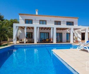 Villa   Benissa para 8 personas con piscina privada y vista mar p1