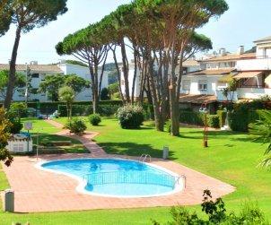 Apartamento   Calella de Palafrugell para 4 personas con piscina comunitaria y cerca del mar p0