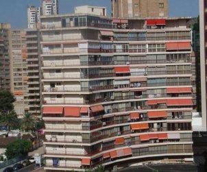 Apartamento   Benidorm para 6 personas con aparcamiento en la propiedad p0