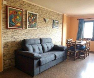 Apartamento   Empuriabrava para 6 personas con piscina comunitaria, aere acondicionado y cerca del mar p2