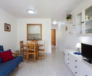 Apartamento   Alcoceber para 4 personas con piscina comunitaria y alrededor de la playa p0