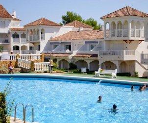 Apartamento   Alcoceber para 6 personas con piscina comunitaria y alrededor de la playa p2