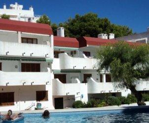 Apartamento   Alcoceber para 4 personas con piscina comunitaria y cerca del mar p0
